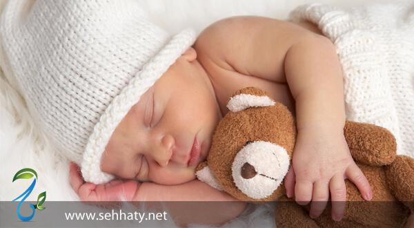عدد ساعات النوم التي يحتاج لها الطفل