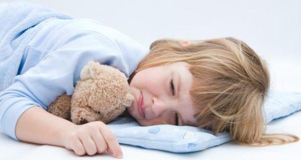 مسببات ألم البطن عند الأطفال صحتي