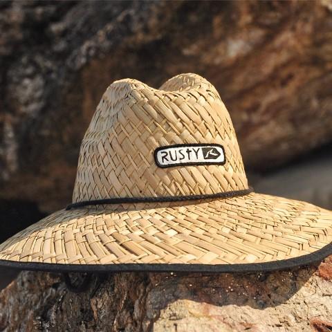 قبعة بحواف